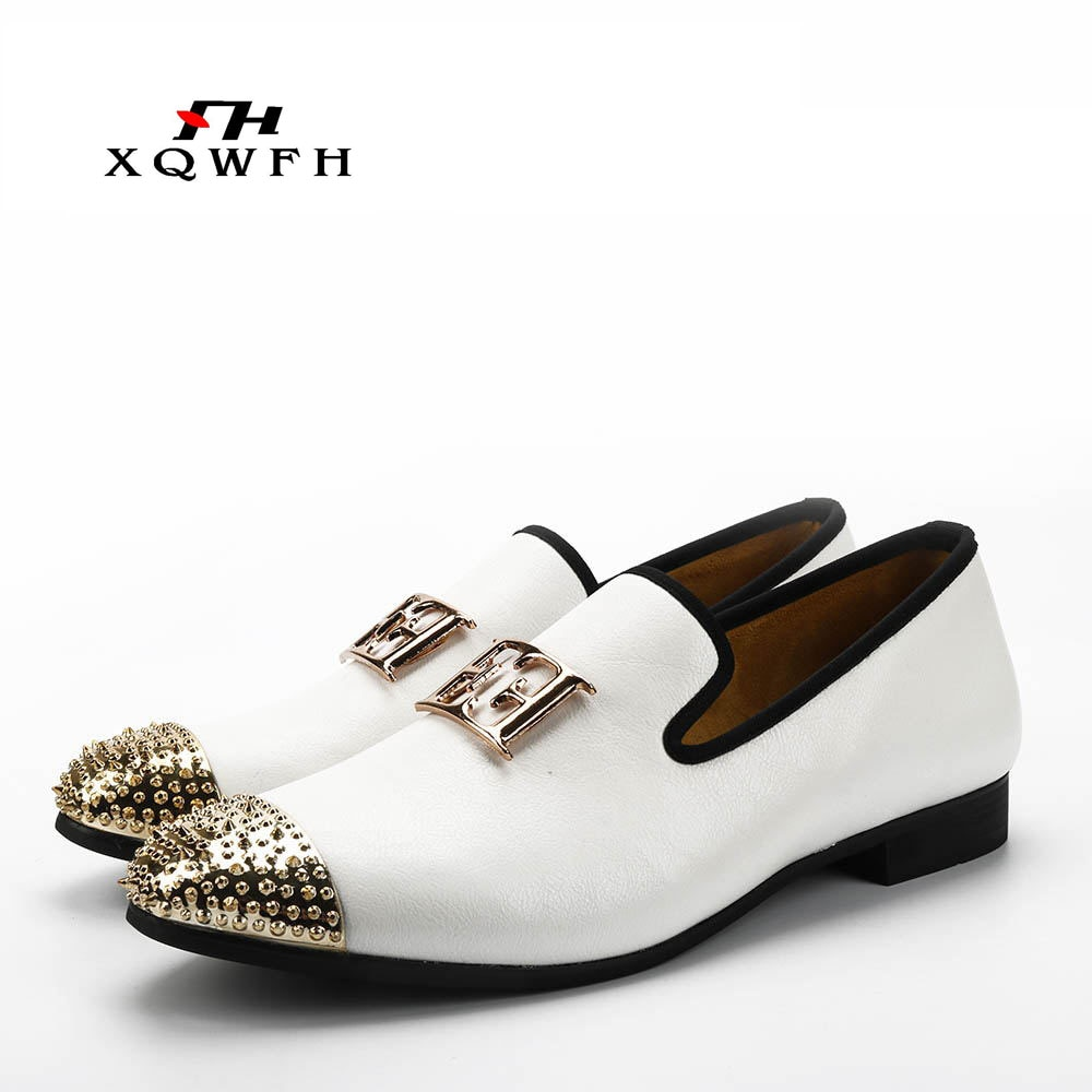 2019 New White Color Men Leather Shoes Men's Loafers with Gold Toe and Metal Party Wedding Men Dress Shoes pointed metal toe low top hommes chaussures leather slip on loafers heel masculino gold metal decor men shoes leisure male shoes