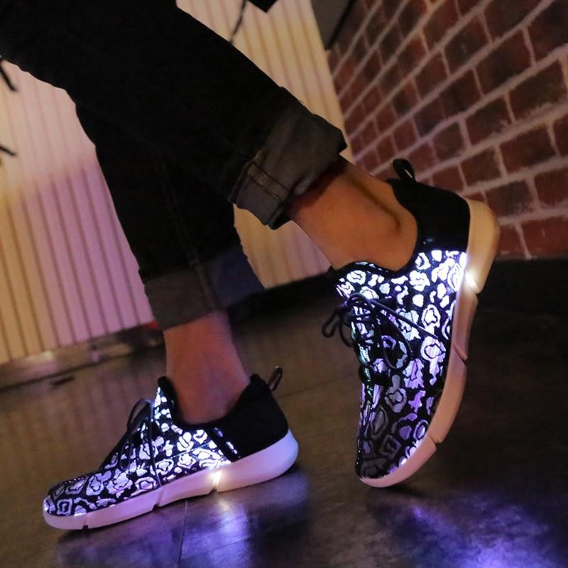 7ipupas-أحذية رياضية غير رسمية مصنوعة من الألياف البصرية ونعل مرن وأحذية Led قابلة لإعادة الشحن USB للنساء والرجال