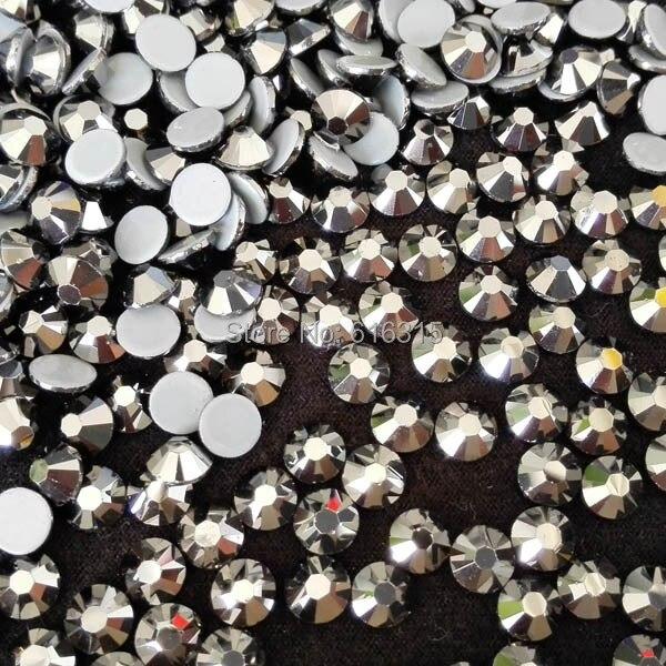 Diamante de imitación plateado ss20 de 5mm con parte trasera plana y pegamento térmico para el día de Navidad, strass para vestido de novia de China precio directo de fábrica