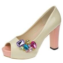 Neue Farbe Schuh Clips Mode Dreieck Glas Hochzeit Braut Dekoration Zubehör