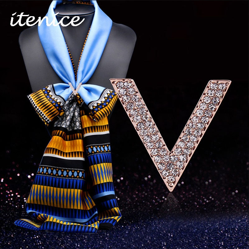 Itenice 2020 joyería de moda de cristal broche de bufanda broches para bufanda letra V Pins broches de moda para las mujeres joyería