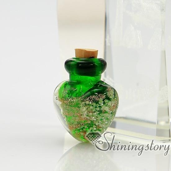 Corazón brillo de cristal de murano luminosa vidrio de murano hecho a mano botella de perfume para collar pequeño urna COLLAR COLGANTE para las cenizas.