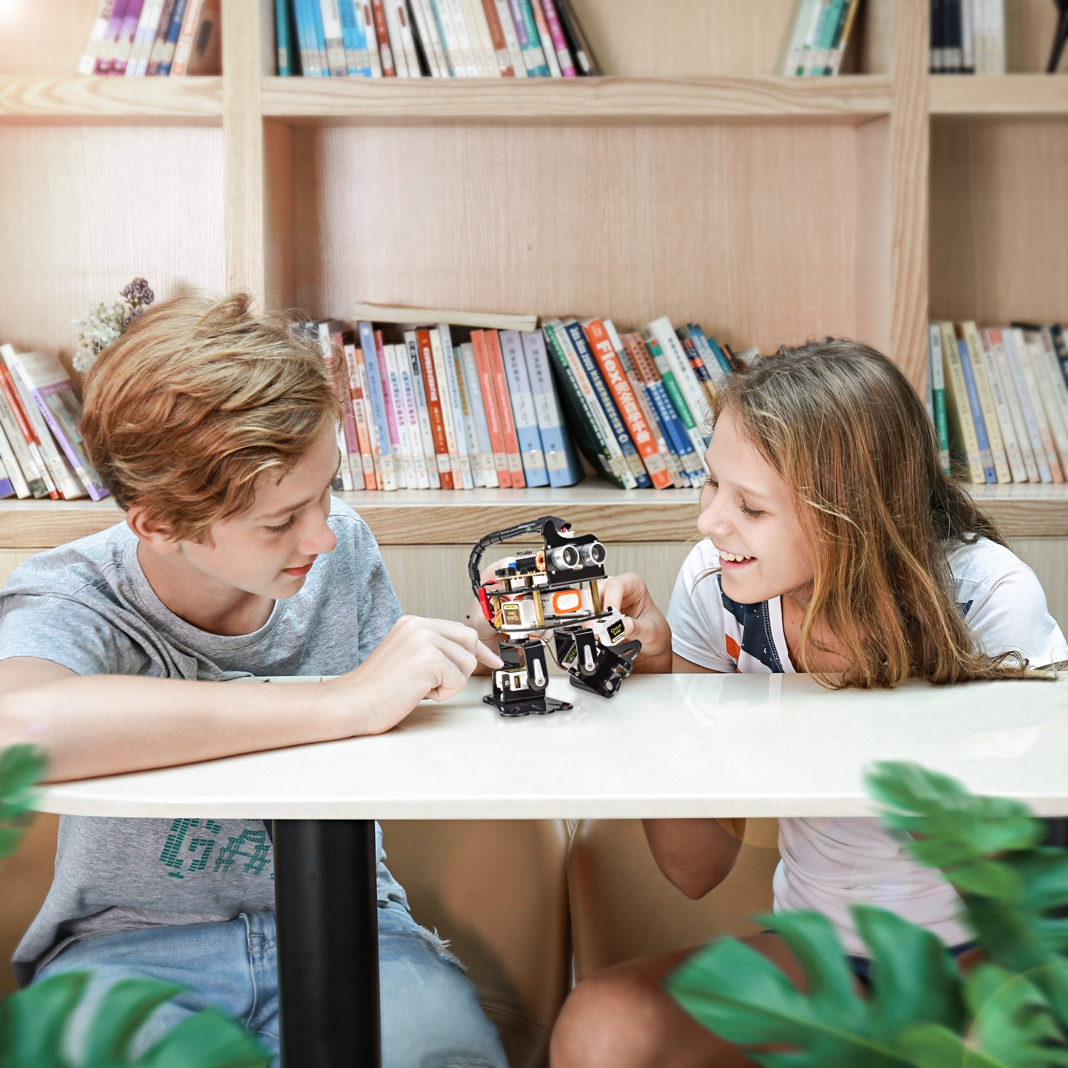 SunFounder Smart Programmable Dancing DIY Robot for Arduino Kids and Adults enlarge