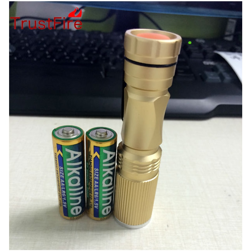 Uniquefire UF-V25 MINI Flashlight 3 modes diver Cree XPE led flashlight Zoomable Torch by 2PCS 1.5V battery