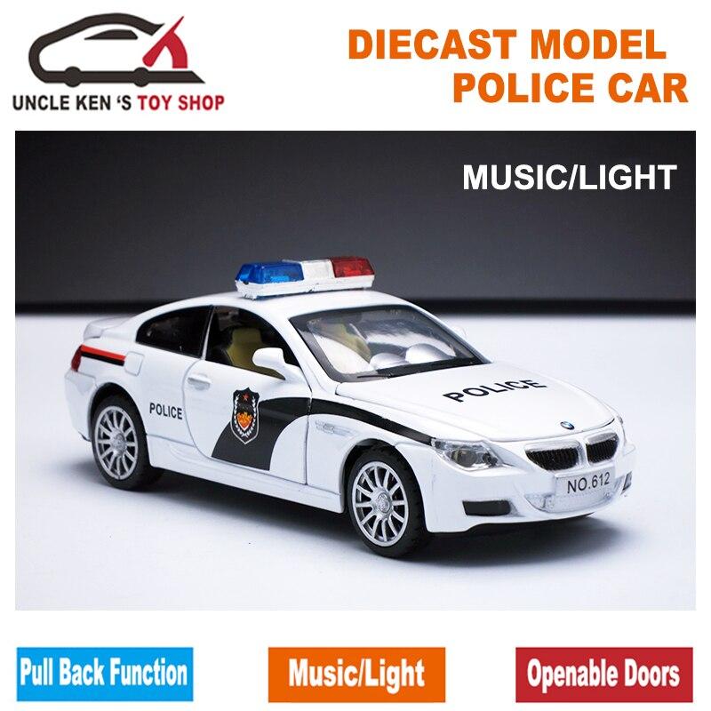 Carro modelo do brinquedo da polícia da escala 1/32, carro do metal, modelos do diecast, brinquedo do presente do menino com portas openable/função traseira da tração/música