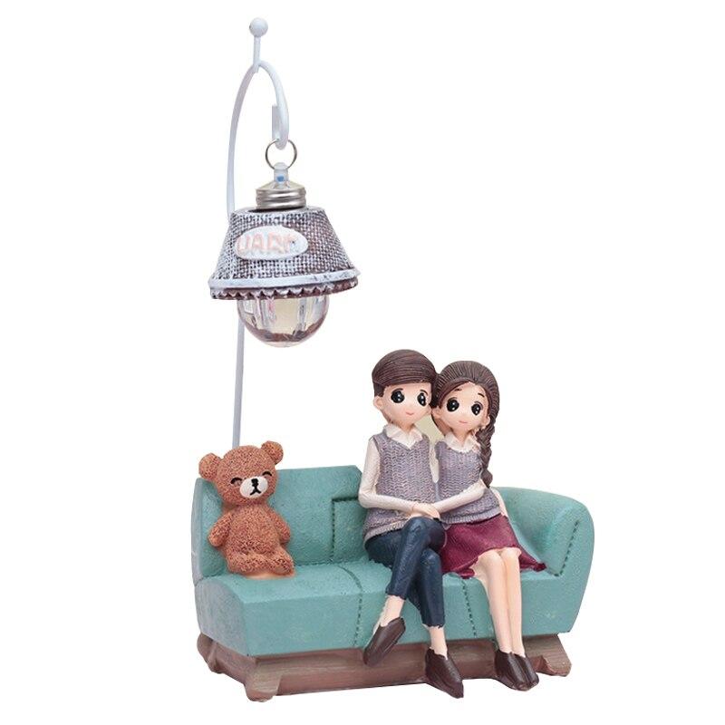 Creativa artesanía resina par luz de noche adornos Retro amantes luz miniatura figuras lámpara LED estudiante regalos de Año Nuevo