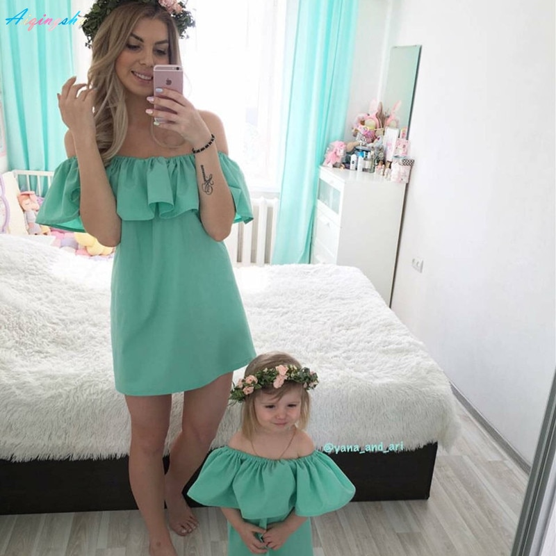 Family Matching Outfits Clothes Mum Mom and Daughter Dress Mother Daughter Dresses Summer Mommy Bebes Wedding Clothing Ruffles