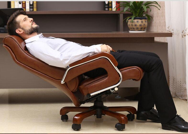 Домашнее компьютерное кресло с откидывающейся подставкой руководителя