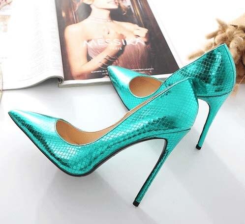Vinapobo, piel verde, novedad de Primavera de 2018, zapatos de tacón alto para mujer, puntiagudos, zapatos de señora con patrón de piedra, zapatos de fiesta, zapatos de boda, bombas