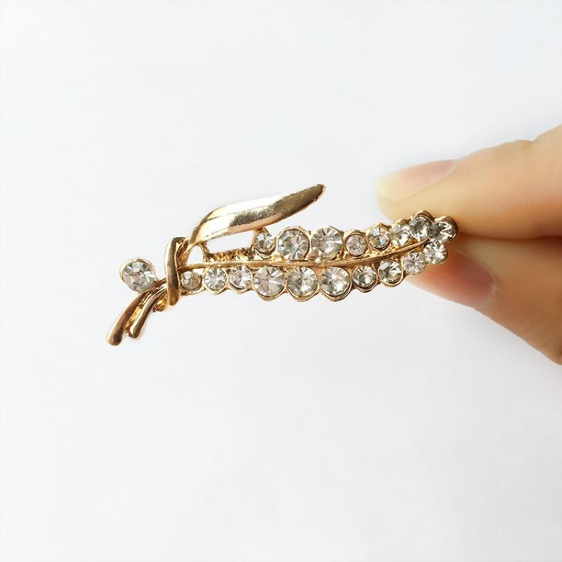 Alfileres de moda coreanos joyas diamantes de imitación hojas broche Western ensamblaje broches para mujeres alfileres de solapa de Metal al por mayor