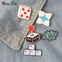 Sac en bijoux de dessin animé, broche en émail du jeu vidéo Origami du clavier broche à revers sac en jean