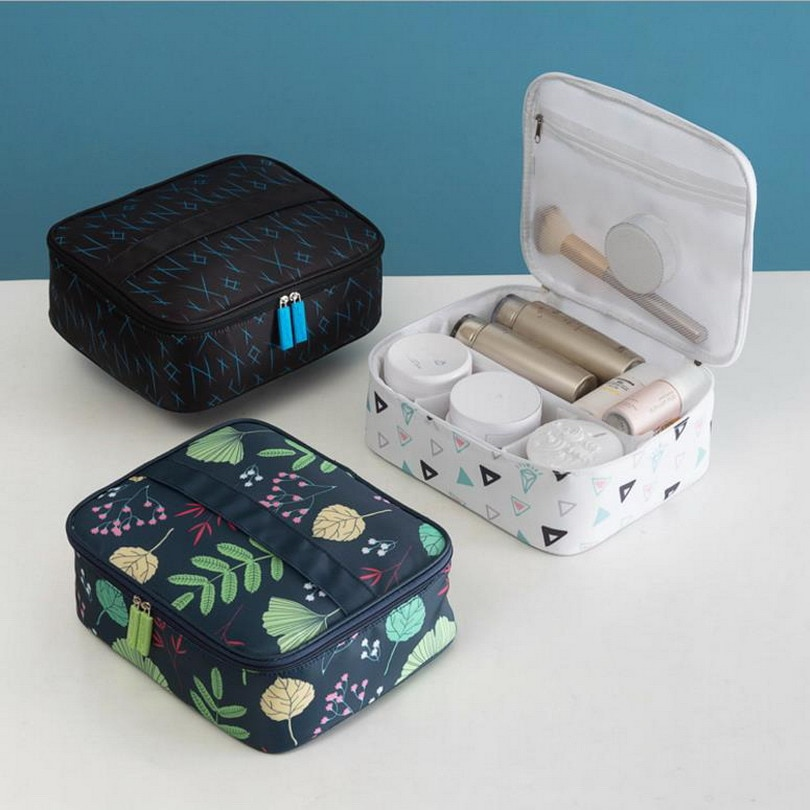Leaves Large Capacity Ladies Makeup Bag Organizer Oxford Cosmetic Bag For Women Toiletry Bag Travel