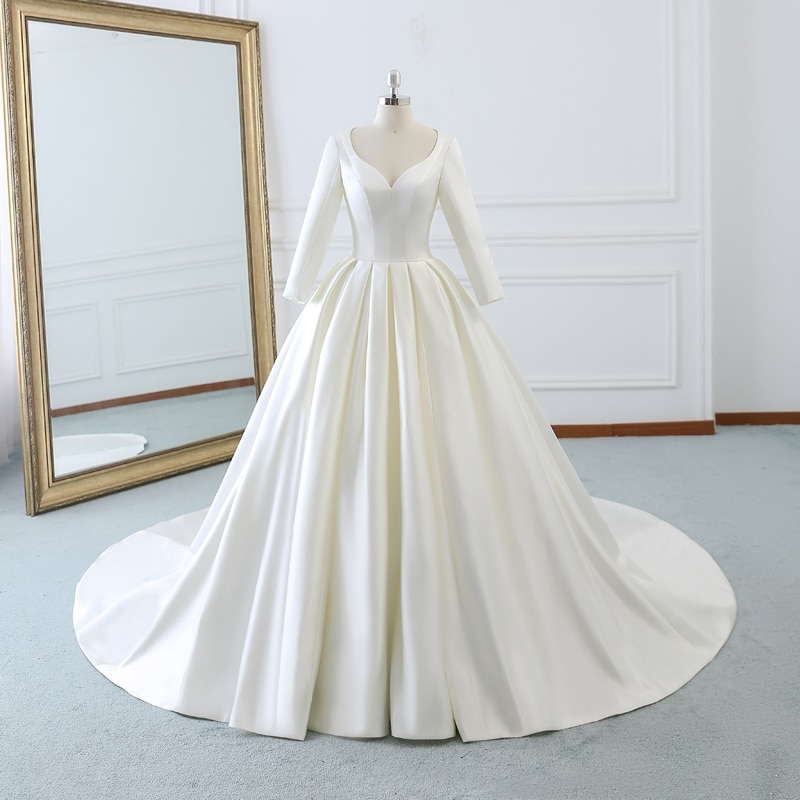 luxury long tail satin red bling ball gown wedding dresses newest sexy designer bridal wedding gowns with sleeves Vintage Satin V-neck Robe De Marriage Princess Ball Gown Long Wedding Dresses With Sleeves Vestidos De Novia 2020 Bridal Gowns