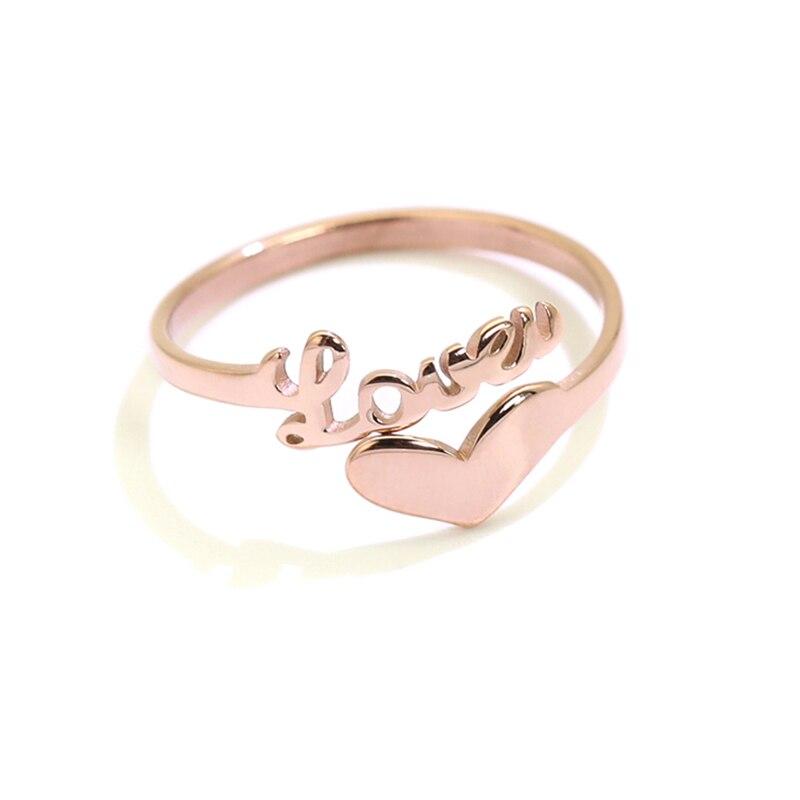 Anillo de nombre de corazón de oro rosa, anillos con letras de acero y titanio, anillo de corazón de amor personalizado para mujeres, mejores amigos, regalo de boda