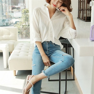 New Women Casual Blouse White Hollow Fashion Long Sleeve Lace Flower Blouse 2019 Summer Ladies Baggy Solid Color Loose Top Shirt