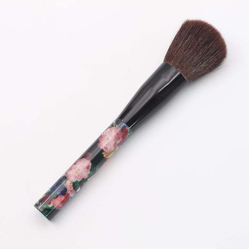 Professional Flower Design Brush Wood Handle Round Brush Head Powder Makeup Brushes