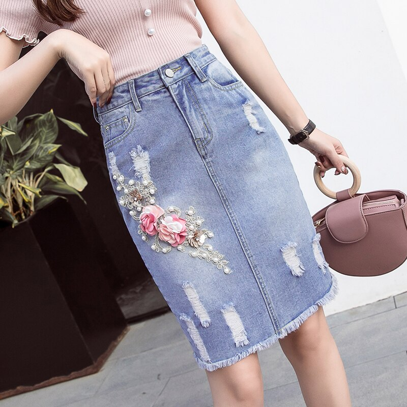 Verano 2018 Falda de tubo de mezclilla azul con apliques de cintura alta con borla de flores para mujer, faldas ceñidas con perlas rasgadas para mujer