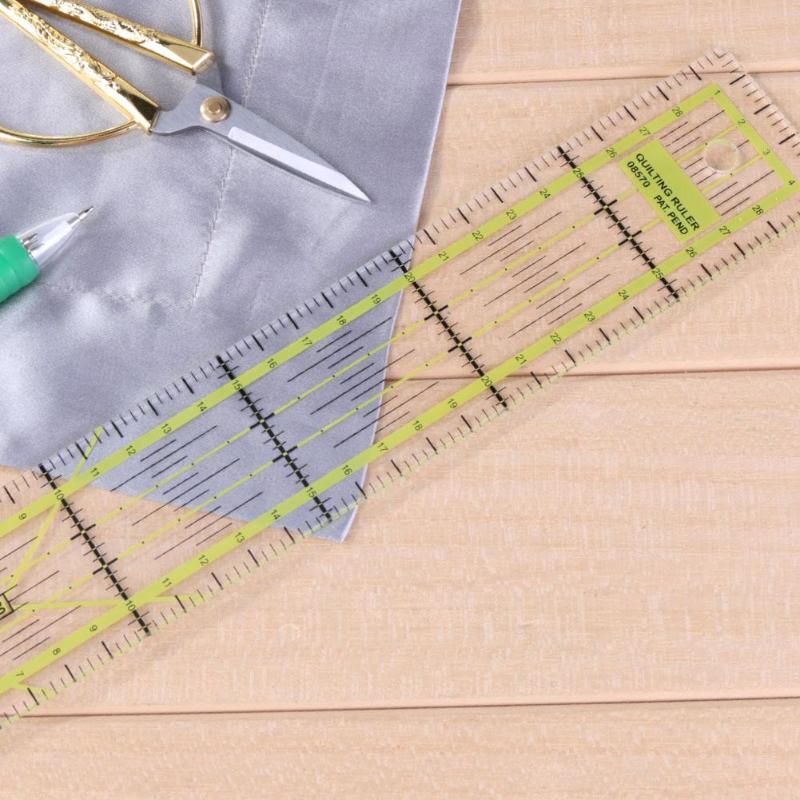 Feito à mão estofando réguas pano ferramentas de costura de plástico retalhos régua alfaiates pés colocar o corte do yardstick 5 cm x 30 cm