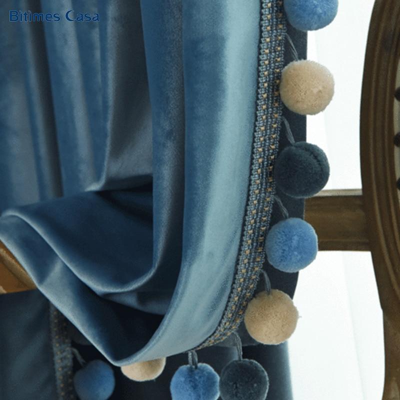 جديد اللون المخملية ستائر التعتيم مع أضاليا كرة زخرفية عالية التظليل بلون لغرفة المعيشة غرفة نوم الستار