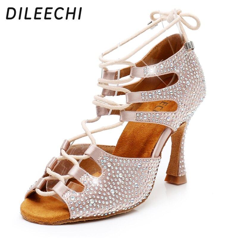 DILEECHI zapatos de baile latino para mujer, zapatos de baile de satén con brillantes, zapatos de baile pequeños con diamantes de imitación, tacón de llamarada, 9cm de ancho, ajuste de pie estrecho