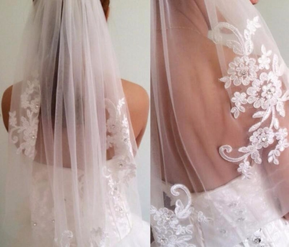 White Ivory In Stock Short One Layer Fingertip Length Rhinestone Appliqued Wedding Veil Bridal Veils With Comb fingertip veil with small flowers
