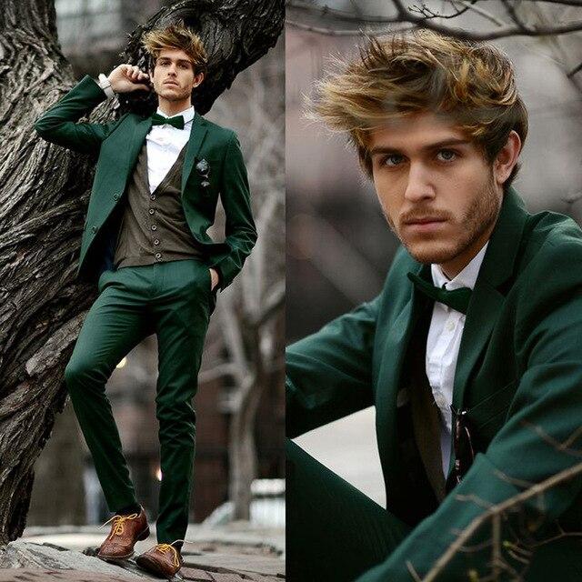 Nuevos trajes de boda a la moda de color verde oscuro para hombre, esmoquin para padrinos de boda, trajes de fiesta de Celebridades (chaqueta + Pantalones + pajarita)