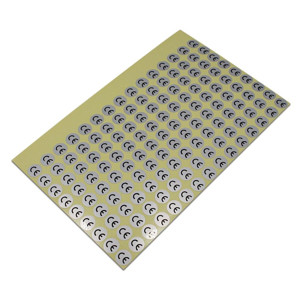 1cm de diámetro, pegatinas redondas de plata mate CE autoadhesivas impermeables con adhesivo para etiquetas de envío de la industria, 135 piezas/hoja