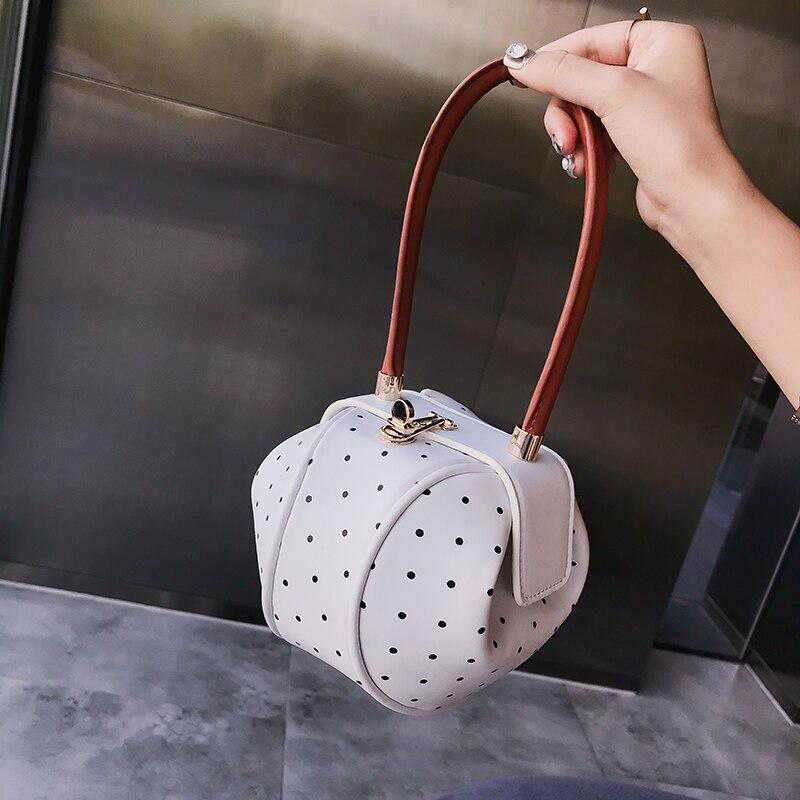 [BXX] 2021 Autumn New Personality Women's Brand Designer PU Leather Dot Pattern Handbag Female Party Clutch Bag NA618