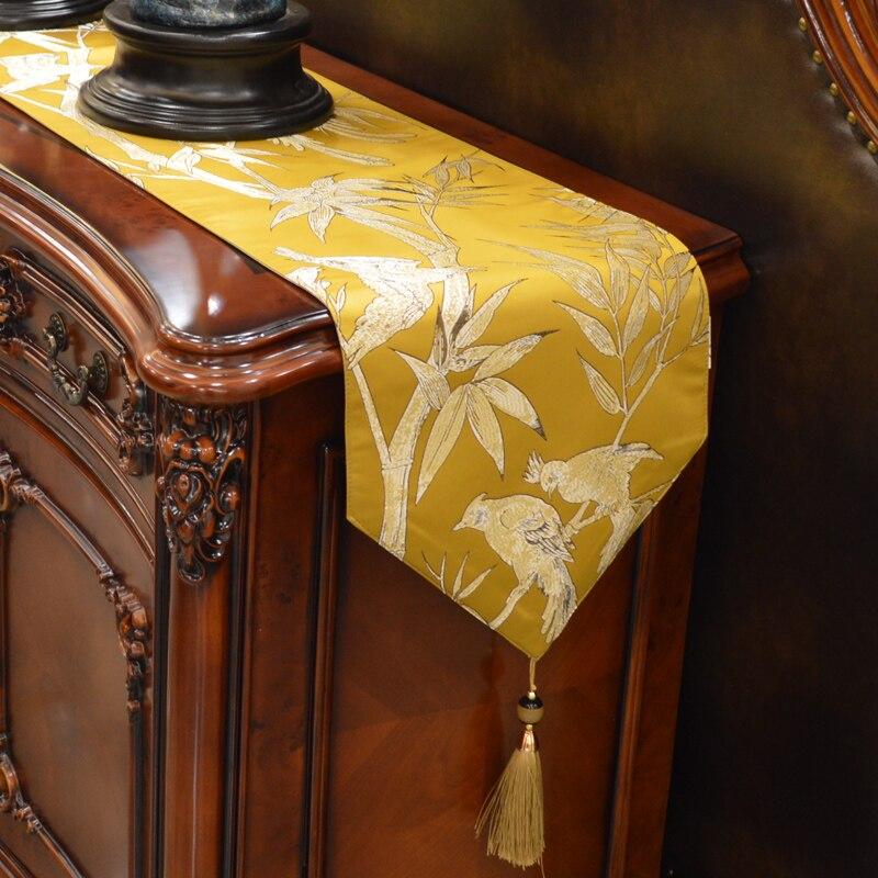 Custom Made bieżnik na stół z pomponem 30x160 180 200 220 240cm satynowy żakard Bamboo Birs Emperor Yellow