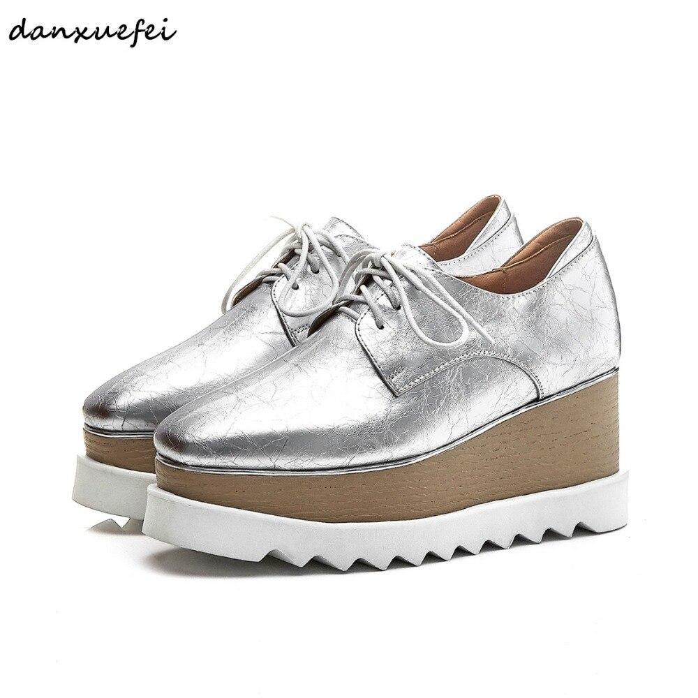 زائد حجم 33-42 المرأة جلد طبيعي منصة الشقق أوكسفورد العلامة التجارية مصمم الدانتيل متابعة الفضة الترفيه رياضة قماشية الربيع جديد حذاء