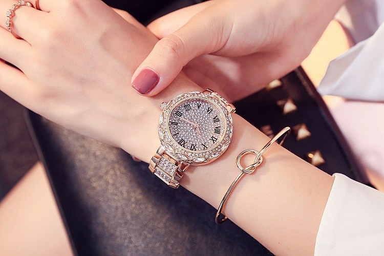 New Silver Diamond Watches Women Luxury Steel Full Rhinestone Wristwatches Lady Crystal Dress Watches Female Quartz Watch enlarge