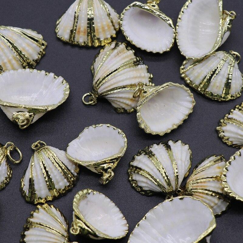 10 unids/lote Natural mar Shell colgante para collar de la joyería pendiente de hacer en forma de abanico conchas con borde de oro colgantes 20 -30 mm/pcs