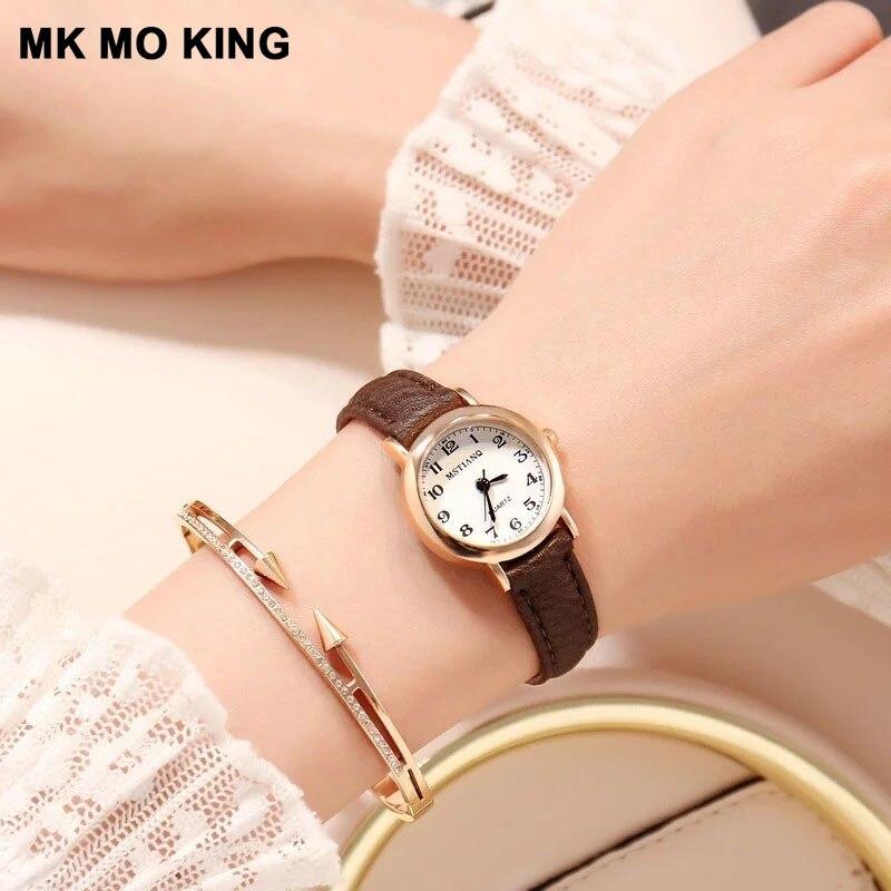 Reloj de pulsera Harajuku de estilo coreano con esfera pequeña retro para mujer, Reloj clásico de cuero blanco y negro para mujer