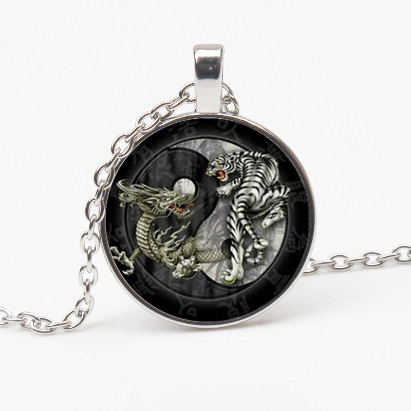 Collier Style chinois Taiji, Dragon, tigre, Yin Yang, rétro, pendentif en verre, longue chaîne, bijoux pour hommes, nouvelle mode