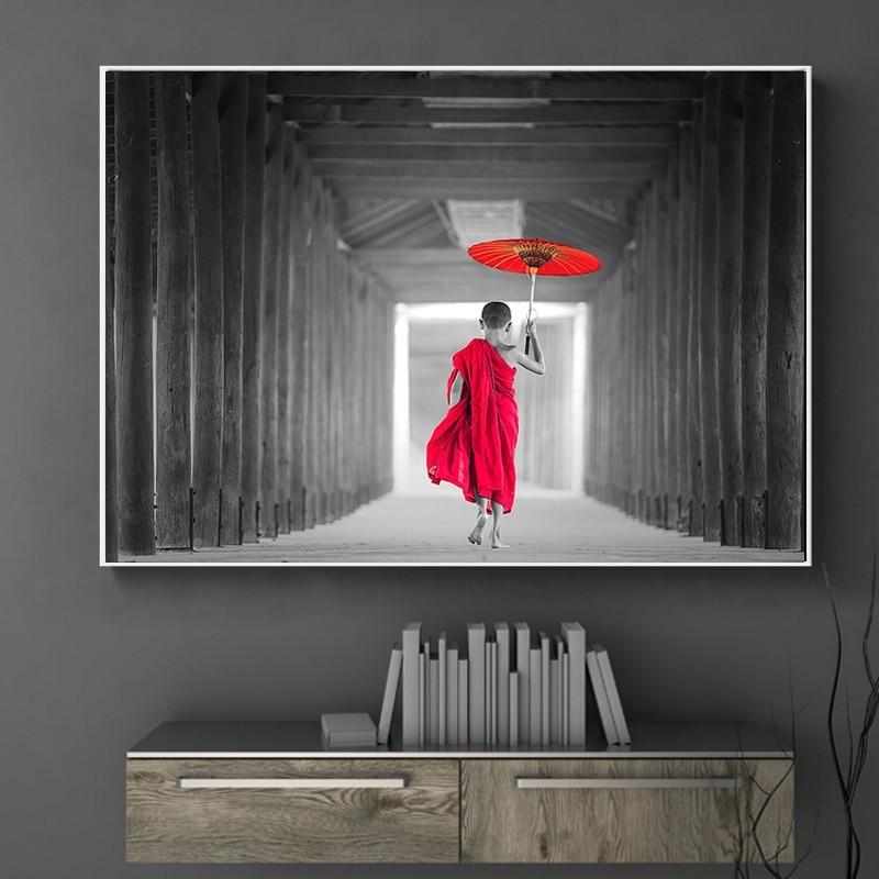 Póster e impresiones de monje paraguas rojo decoración escandinava póster de arte nórdico cuadro de pared para sala de estar lienzo pintura