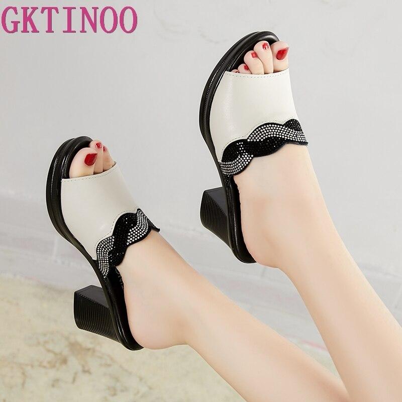 GKTINOO zapatillas de mujer 2020 zapatillas de verano para señora zapatos de tacón alto de moda Zapatos de verano de diamantes de imitación de cuero genuino