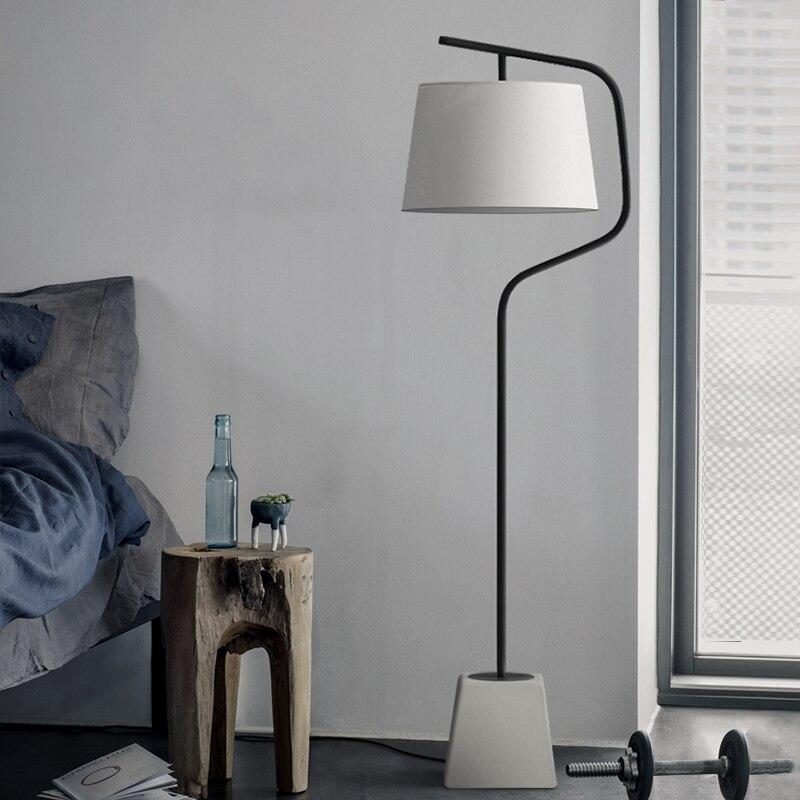 Американский гостиной вертикальные лампы скандинавского минималистичного