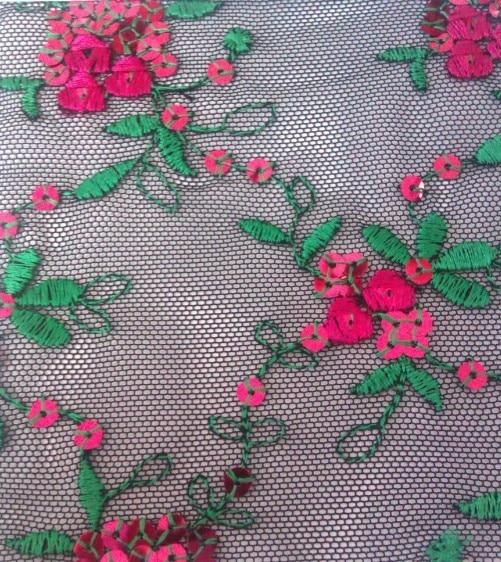 Tela de encaje de tela de algodón de red suave de moda, diseño de moda y lujoso, tacto suave