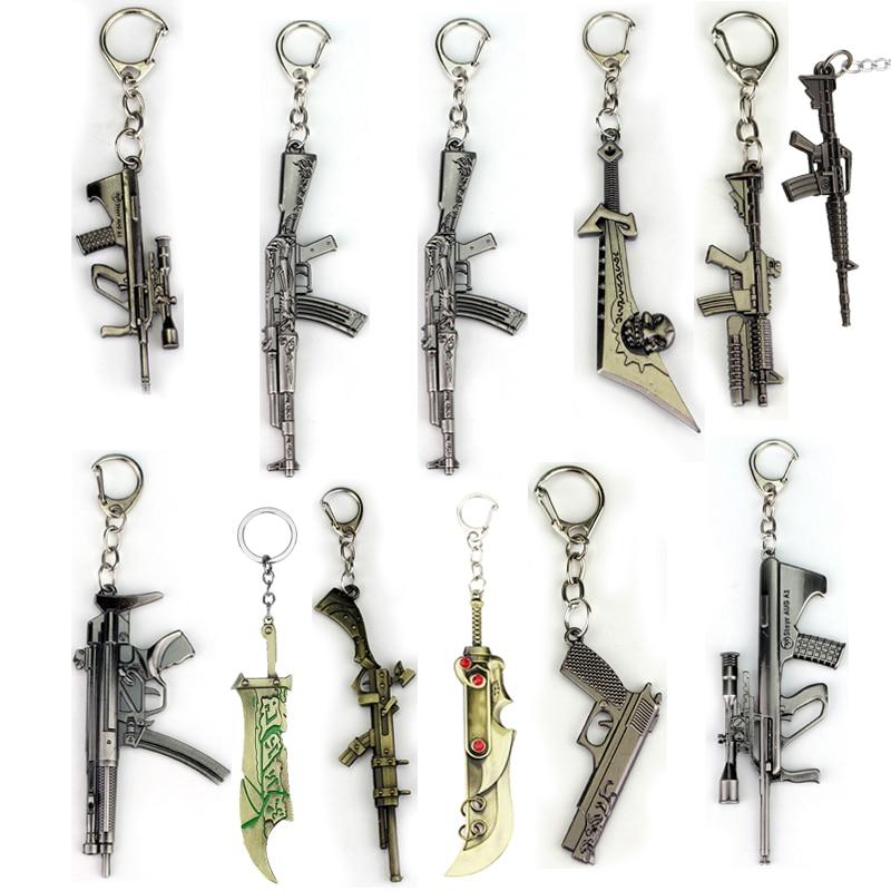 LLavero de arma de fuego cruzado de Anime Cross Fire antidisturbios, armas de ataque Global, llavero Csgo Cs Go Ak 47