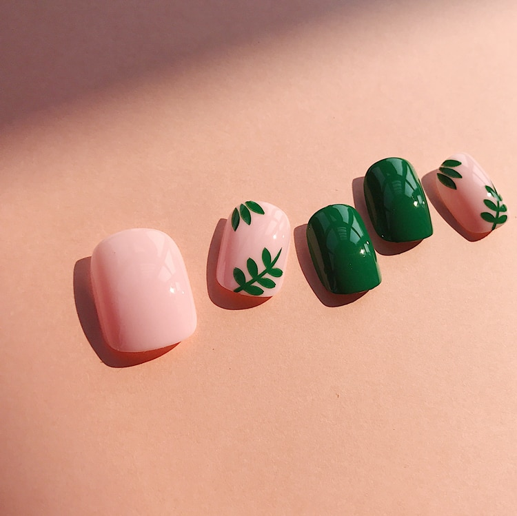 Искусственные ногти 24 шт., элегантные, новые, однотонные, розовые, зеленые, квадратные, короткие, полное покрытие, летние, стильные, искусственные, корейские, Brizil