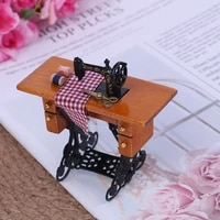 2019 112 scale dollhouse decoration wooden miniature furniture families vintage miniature sewing machine with cloth