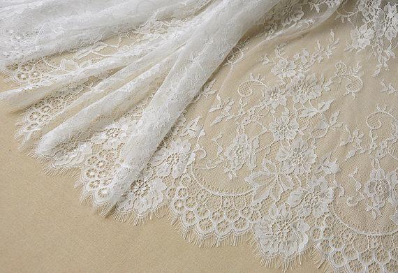 Impresionante calidad 60 ancho 3 metros elegante pestaña encaje de color marfil tela, chic francés Chantilly bordado boda encaje