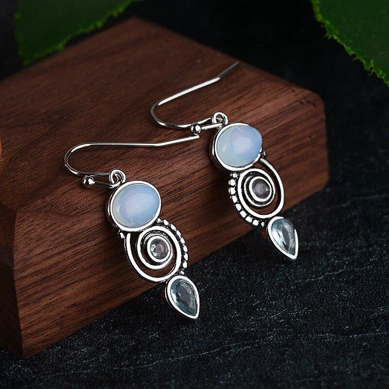 Nuevos pendientes colgantes de circonita con incrustaciones Retro para mujer, Pendientes de piedra colgantes creativos en forma de pera en espiral, joyería de moda para mujer, envío directo