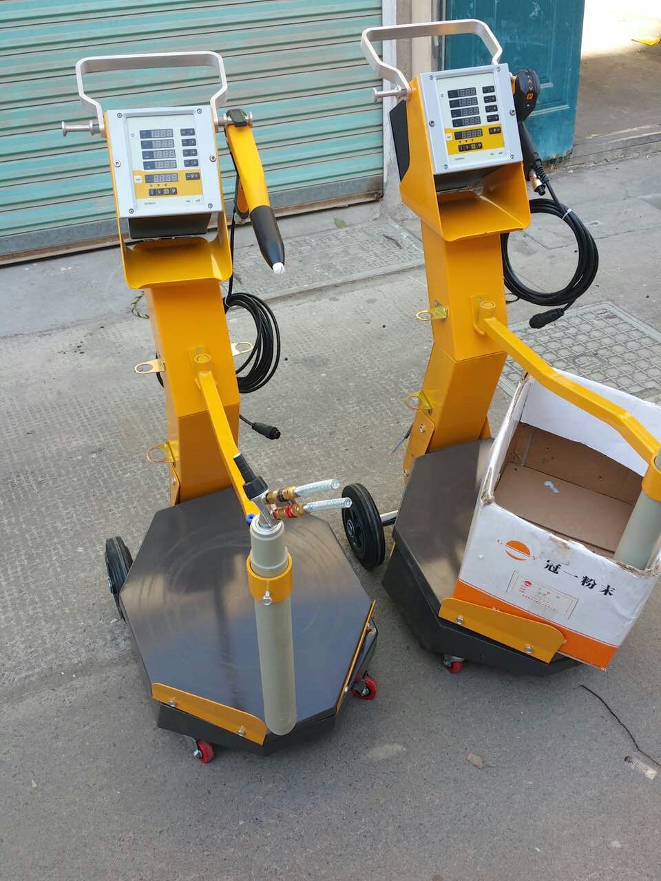 مربع اهتزازي تغذية كهرباء مسحوق آلة طلاء الدعاوى ل Optilex 2B