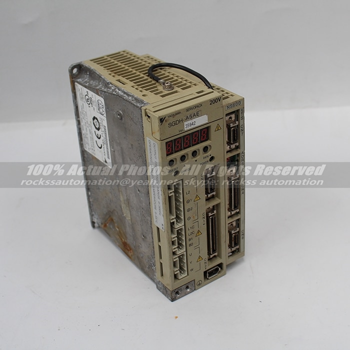 Utilisé Bon État Servopack Servo Drive SGDH-A5AE JUSP-NS600 Avec Livraison DHL/EMS