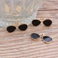 Breloques en alliage émail, bijoux en alliage émail de haute qualité breloques en or plaqué huile, goutte dhuile de couleur en métal noir, lunettes de soleil à la mode, artisanat