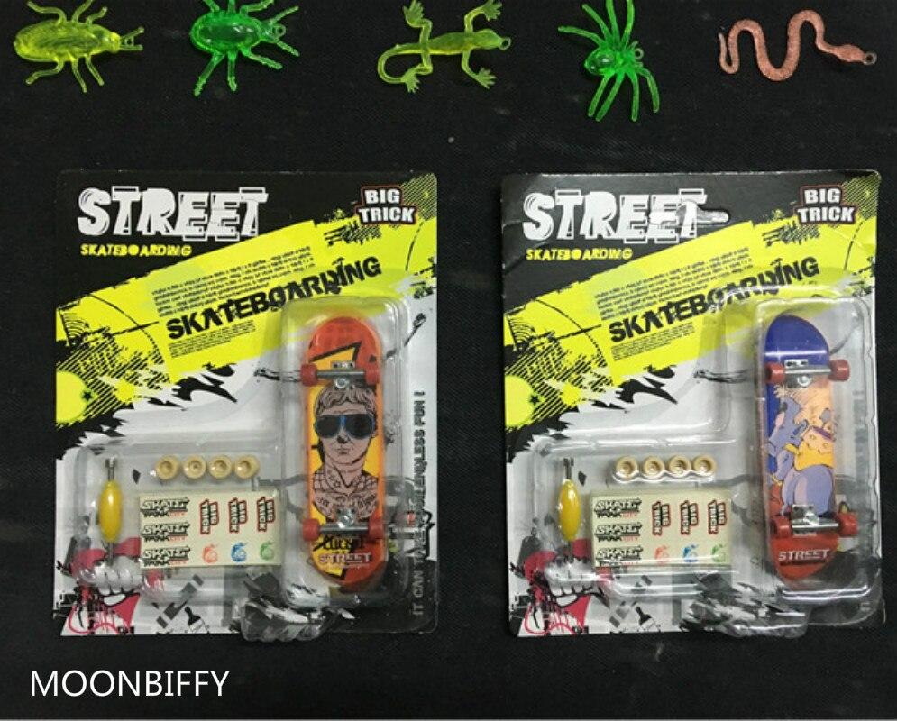 Mini planche à doigt en alliage de jouets classiques avec boîte de détail, camions de Skateboard, jouets pour enfants, idée cadeau