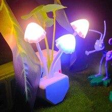 Champignon champignon LED veilleuse EU US Plug capteur de lumière 220V 3 LED coloré prise murale lampe nuit lumières maison chambre Decoratio