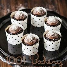 gratis verzending zwart witte stippen cupcake geval, muffin papier dot taart kopjes tin liners, goedkope cupcakes dozen houder levert