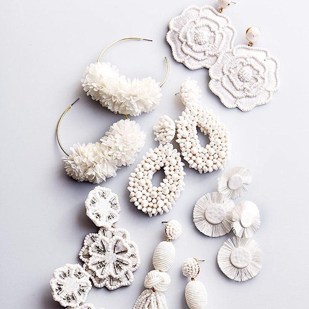 Dvacaman, pendientes grandes blancos para mujer, cuentas modernas, borla de flores, flecos, Pendientes colgantes, pendientes llamativos al por mayor hechos a mano